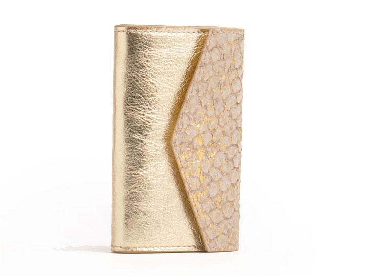 Tracht Geldbörse aus exklusivem Leder versandkostenfrei kaufen, Farbe gold, Fischleder Hirschleder Kalbleder OWA Tracht Ledermanufaktur