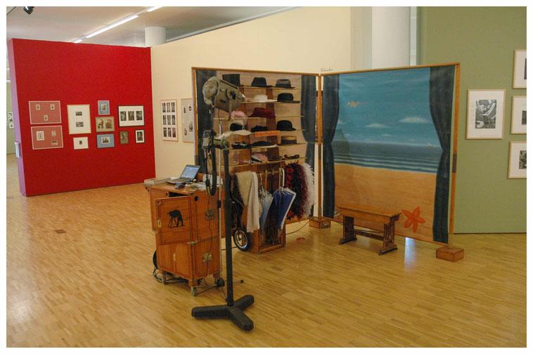 Studio 1900 bij de opening van een fototentoonstelling in het Gemeentemuseum in Helmond
