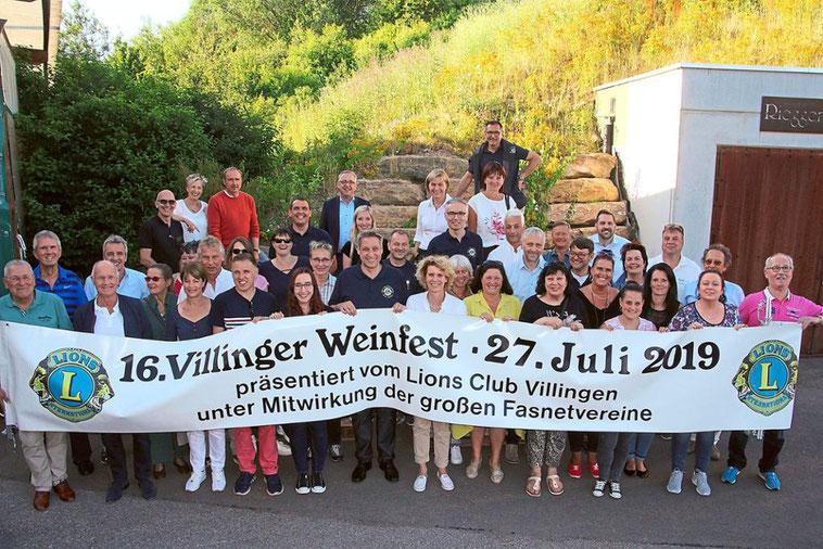 Auf viele helfende Hände kann sich der Lions Club Villingen bei seinem Weinfest am 27. Juli in der Innenstadt verlassen. Foto: Heinig, Schwarzwälder Bote