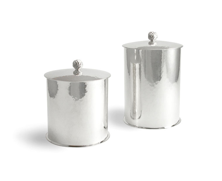 Handgearbeitete Silberdose mit Hammeschlag