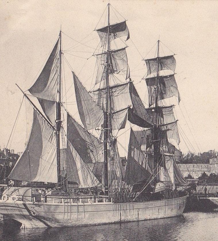 Trois-mâts barque terre-neuviers, certain ont été construit spécifiquement pour faire la pêche à la morue, d'autres sont d'anciens petits long-courriers en bois