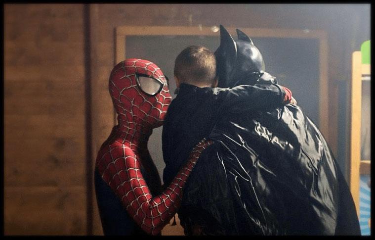 Mascotte Spiderman e Batman ad una festa per bambini