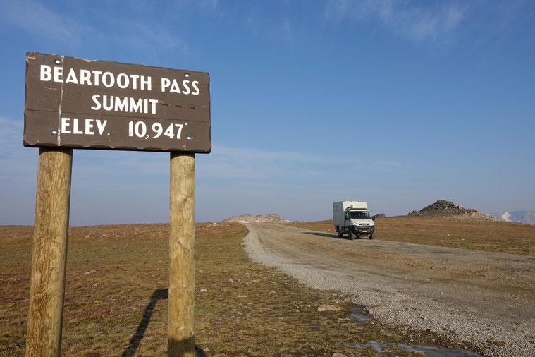 Auf dem Beartooth Pass - man rechne: mit 10'947 Fuss sind wir auf 3337 Meter über Meer!