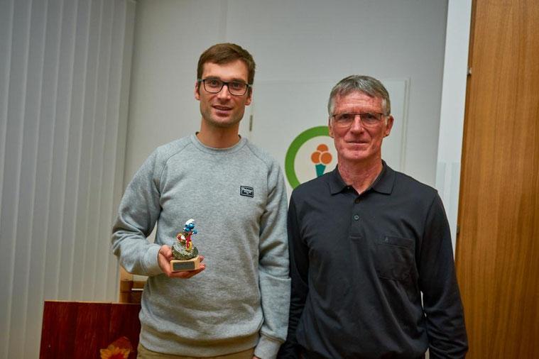 der glückliche Oscar-Träger 2017: Rüdiger Rudolf (links) mit dem amtierenden Vereinsvorsitzender Jens Beige (rechts)