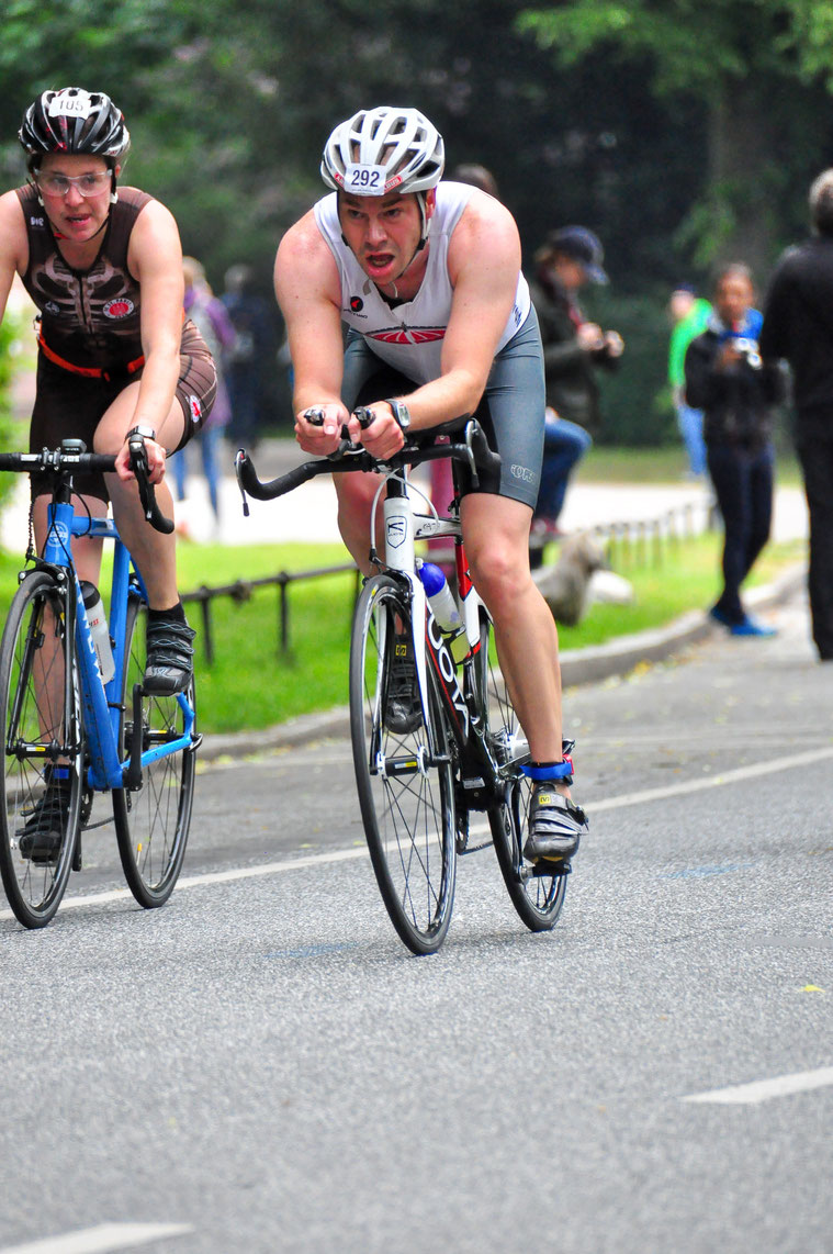 The cycling split was again the part where I positioned myself back into the front race during Stadtpark Triathlon 2015