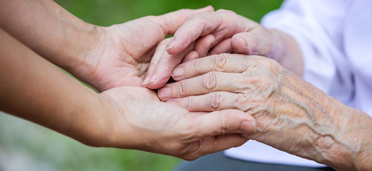 Helfende Hände in der Tagespflege Fürth