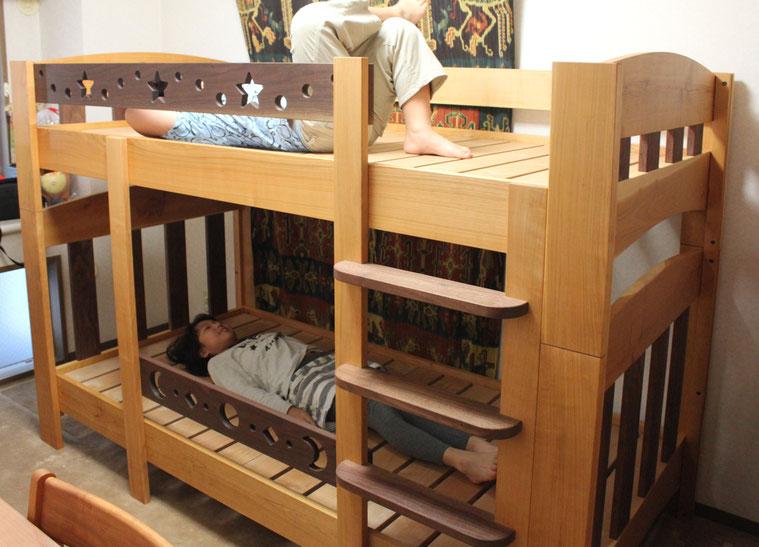ツートンカラーの楽しい二段ベッド(荒川区・F様邸)KちゃんとR君