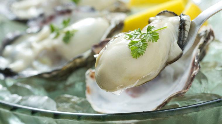 牡蠣はトリプトファンや、亜鉛を豊富に含んでいます。