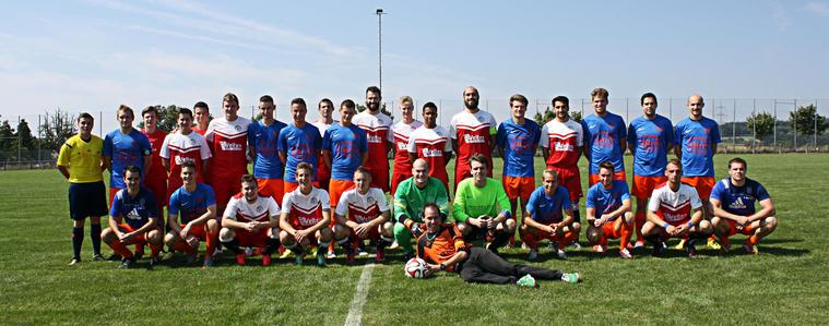 Die Teams von der SG Kinzenbach II und der SG Beilstein/A./M. mit Schiedsrichter Phillip Braun beim Meisterschaftsspiel in der Kreisoberliga West am 23.08.2015