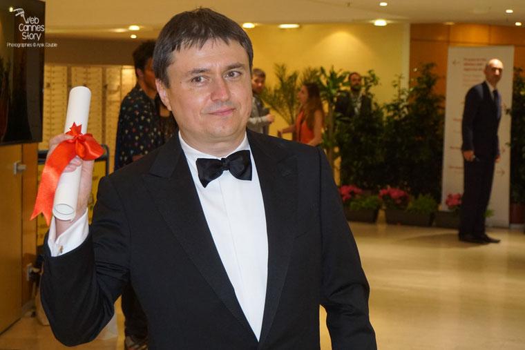 """Cristian Mungiu,  Prix de la Mise en Scène (ex-aequo)  avec Olivier Assayas, pour """"Baccalauréat"""" - Festival de Cannes 2016 - Photo © Anik Couble"""