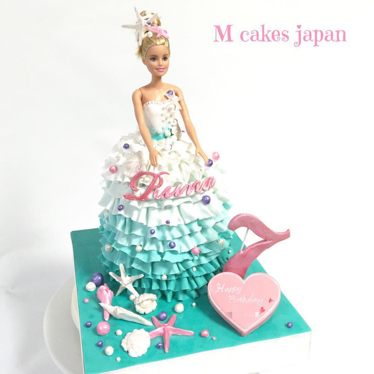 涼しげなイメージのドレスケーキ🐚🐚 ‪#‎爽やか‬ ‪#‎fondantcake‬ ‪#‎fondant‬ ‪#‎Marine‬ ‪#‎shell‬ ‪#‎dress‬ ‪#‎dresscake‬ ‪#‎summer‬ ‪#‎summercake‬ ‪#‎summerdress‬ ‪#‎girl‬ ‪#‎夏‬