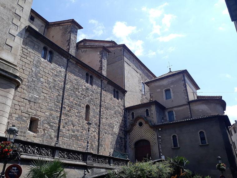 Кафедральный собор в городе Олот