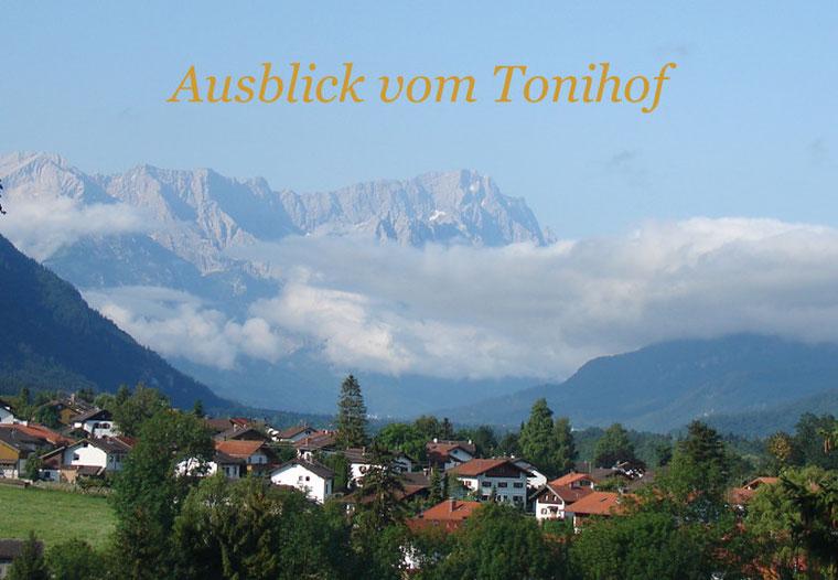 ... vielleicht der schönste Panoramablick Oberbayerns über das Loisachtal bis hin zur Zugspitze.
