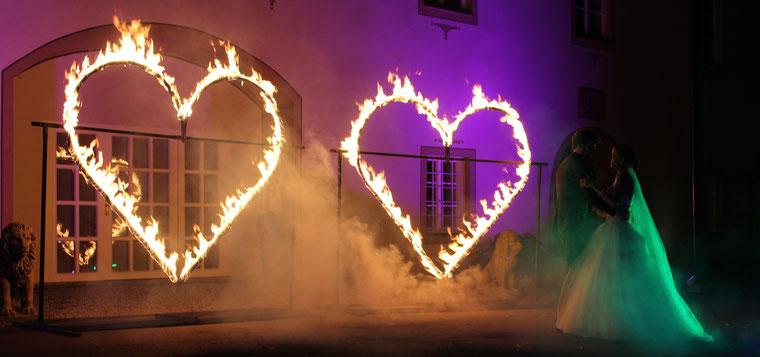 Feuershows mit Fantômes de Flammes in Österreich