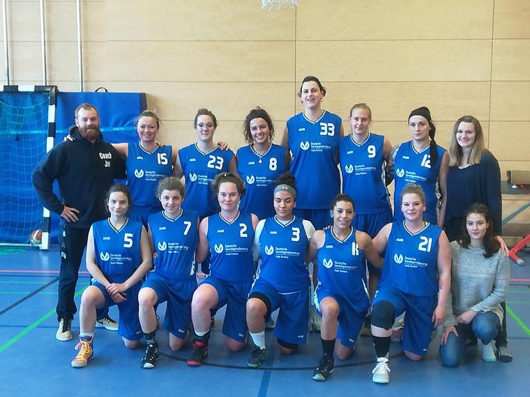 BC Lions Moabit 21  Ladies werden freundlichst unterstützt von Felix Peisker Deutsche Vermögensberatung in Schöneiche