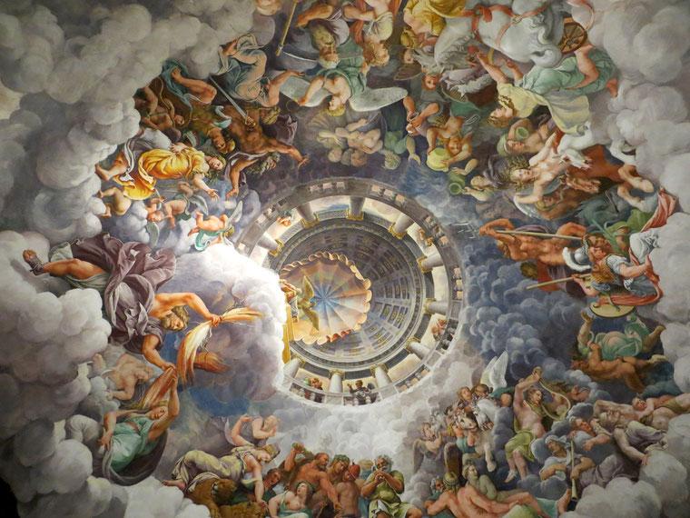 Cupola della Sala dei Giganti di Palazzo Te a Mantova, affresco di Giulio Romano