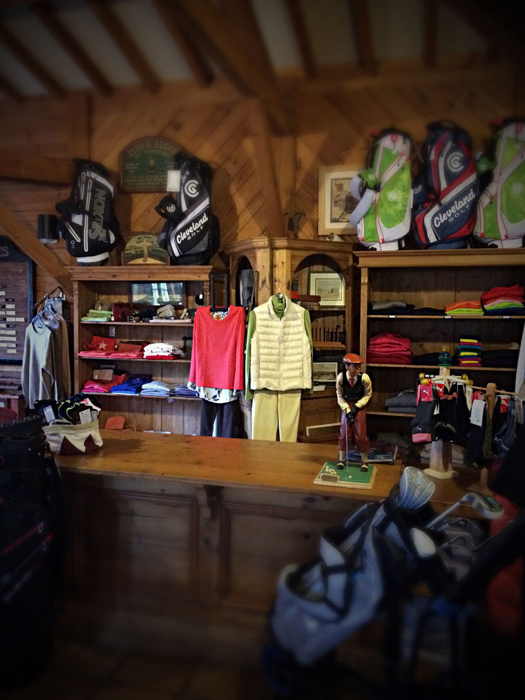 Proshop, boutique du golf des roucous : location ou vente de matériel