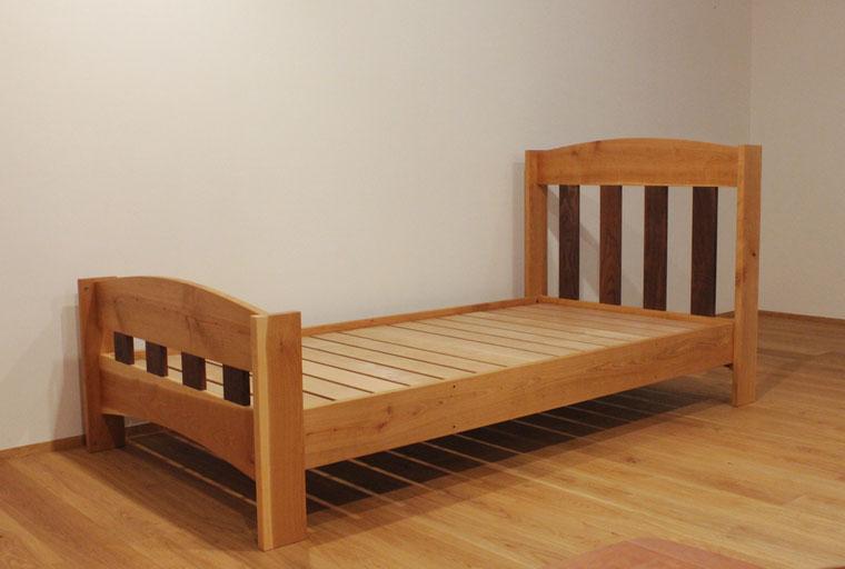 ツートンカラーの楽しい二段ベッド(荒川区・F様邸)一段