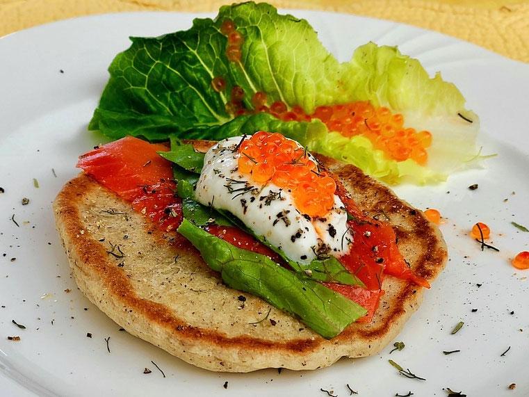 Blini mit Räucherlachs & Kaviar