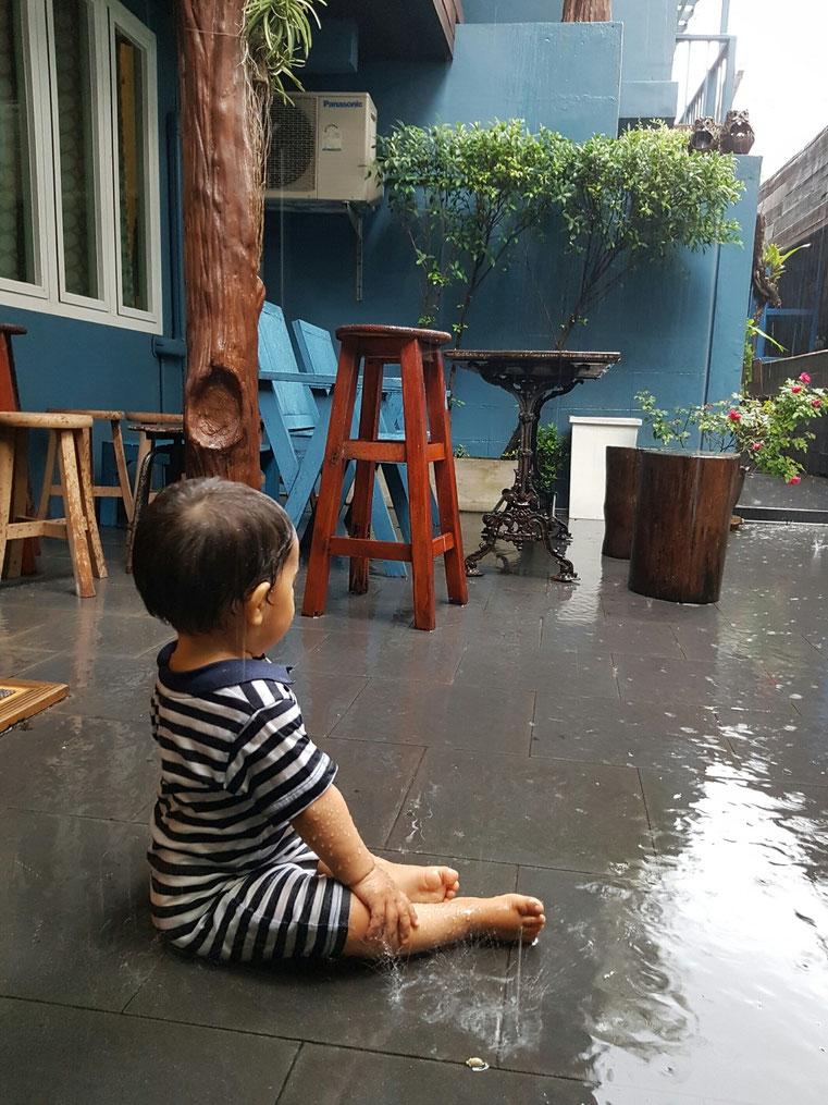 Su primera lluvia