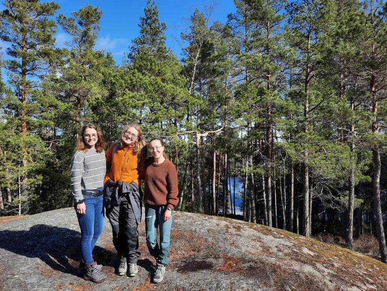 Wanderung im Tiveden-Nationalpark (v.l.: Clarita, Sonja, Hannah)