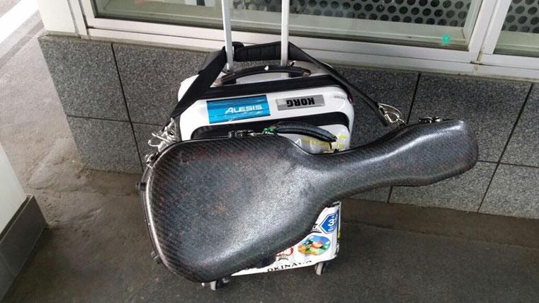 盛岡駅にて新幹線を待ってます!