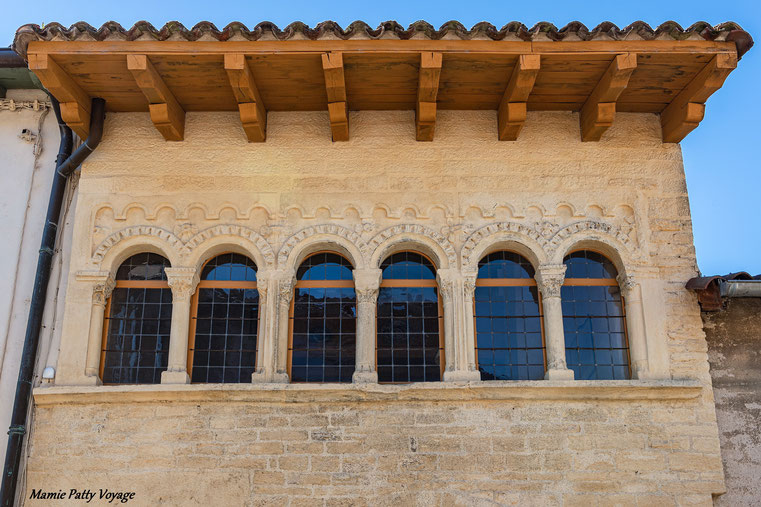 Façade médiévale à Cluny