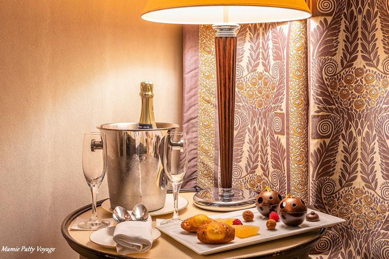 Champagne à L'Hôtel du collectionneur, Paris