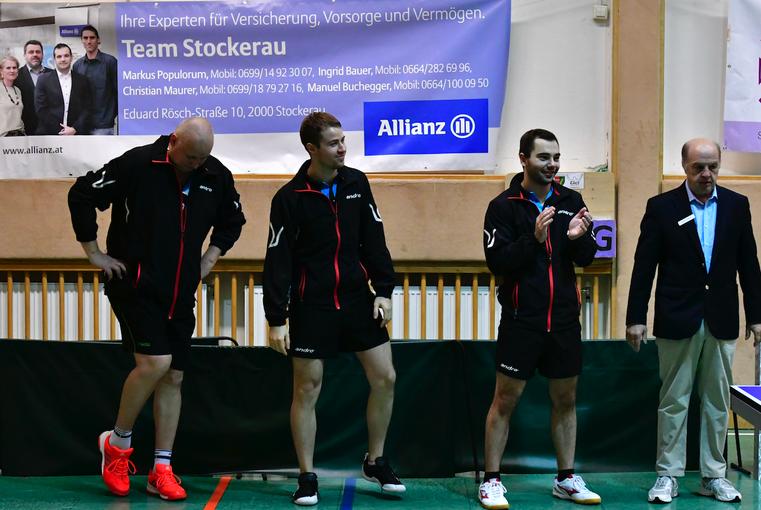 Tomas Janci, Martin Kinslechner und Michael Kufmüller walteten gegen Wels unter den Augen des Unparteiischen Richardo Hnilicka.