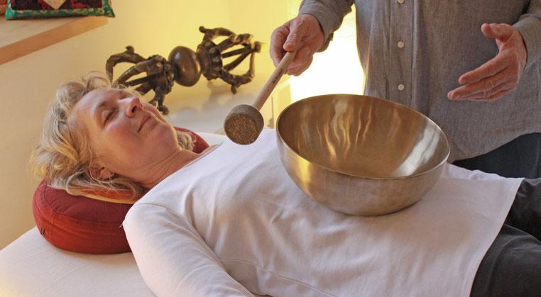 Eva-Maria Blanke, Praxis für Klang- und Energiebalance, Peter Hess Klangmassage, Individuelle Klangmassage, Entspannung, Alltagsstress, Basisklangmassage