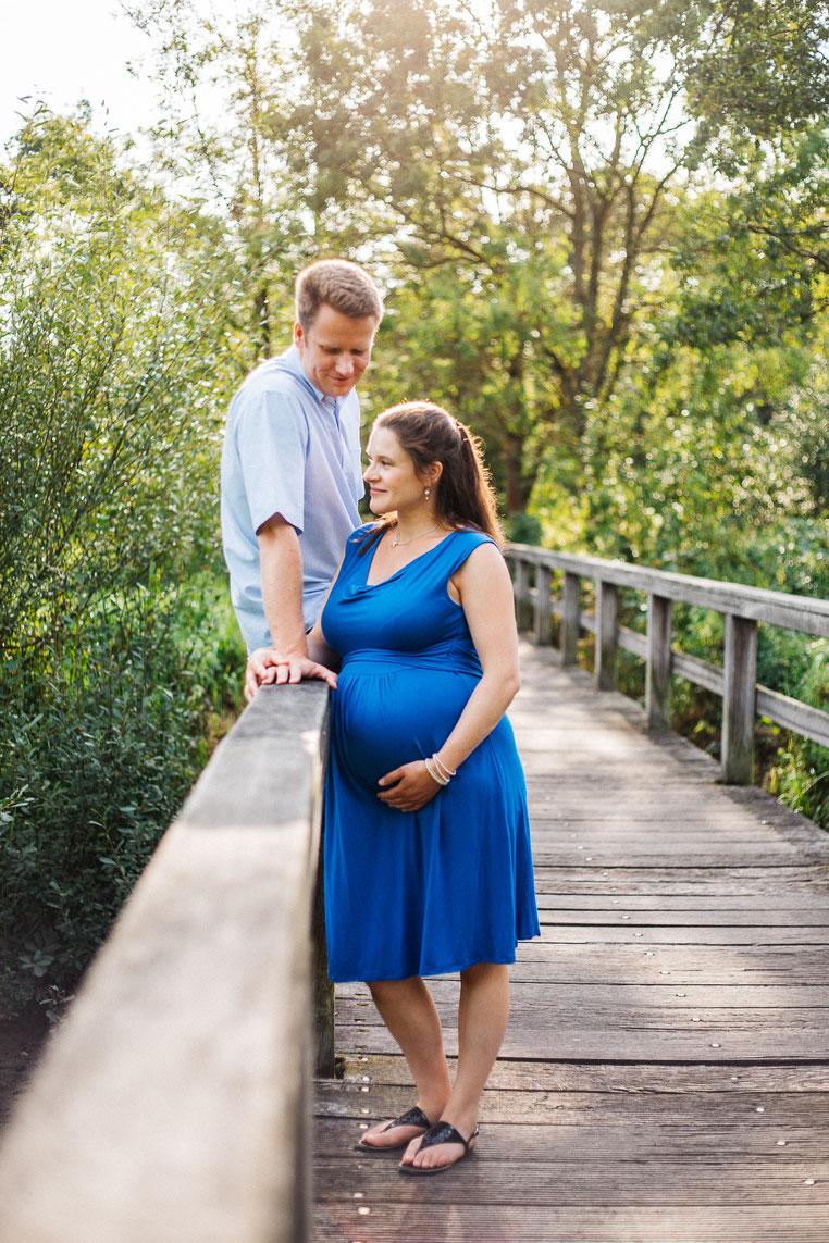 JOJO & CHRIS - FAMILIENREPORTAGE - KLEINES BABYBAUCHSHOOTING