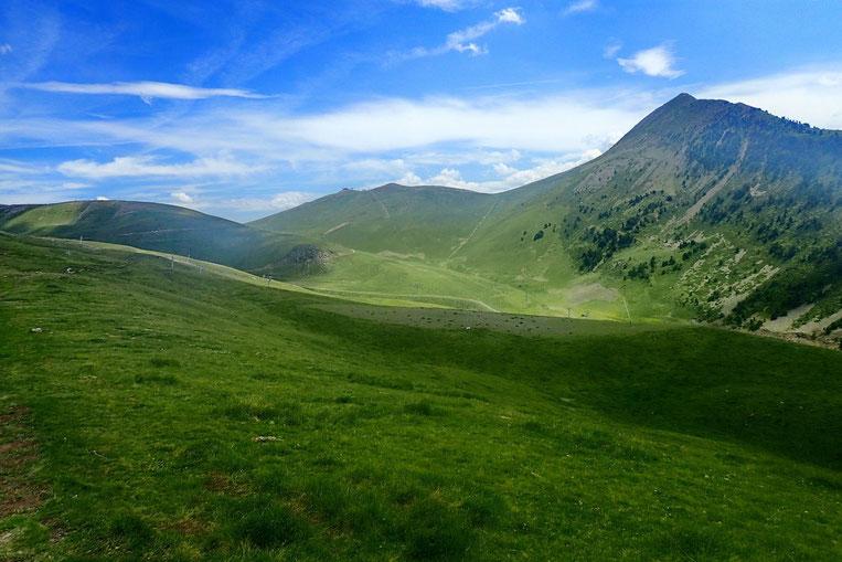 A droite, le Pic Cabanou (2527m) indicateur de la proximité du Col de Portet.