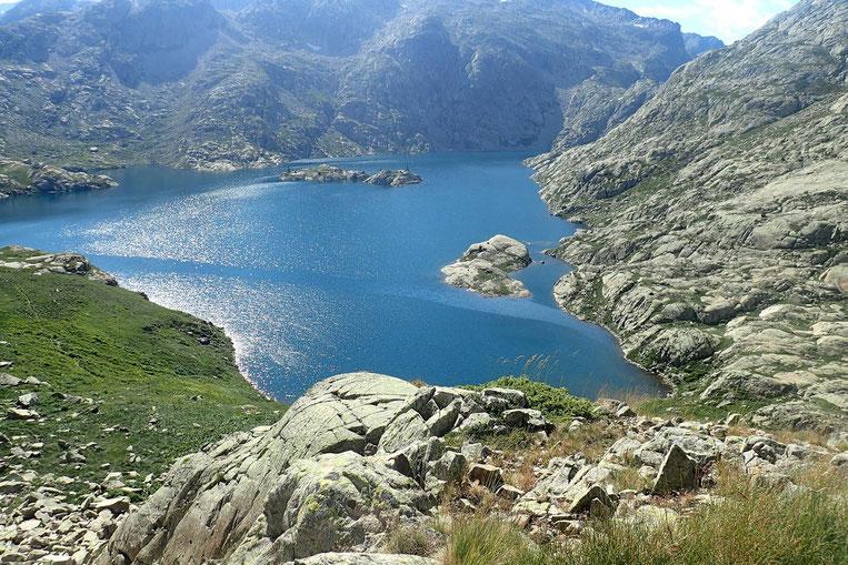 Mon genou m'indique qu'il serait plus raisonnable de renoncer au Lac Bramatuero...