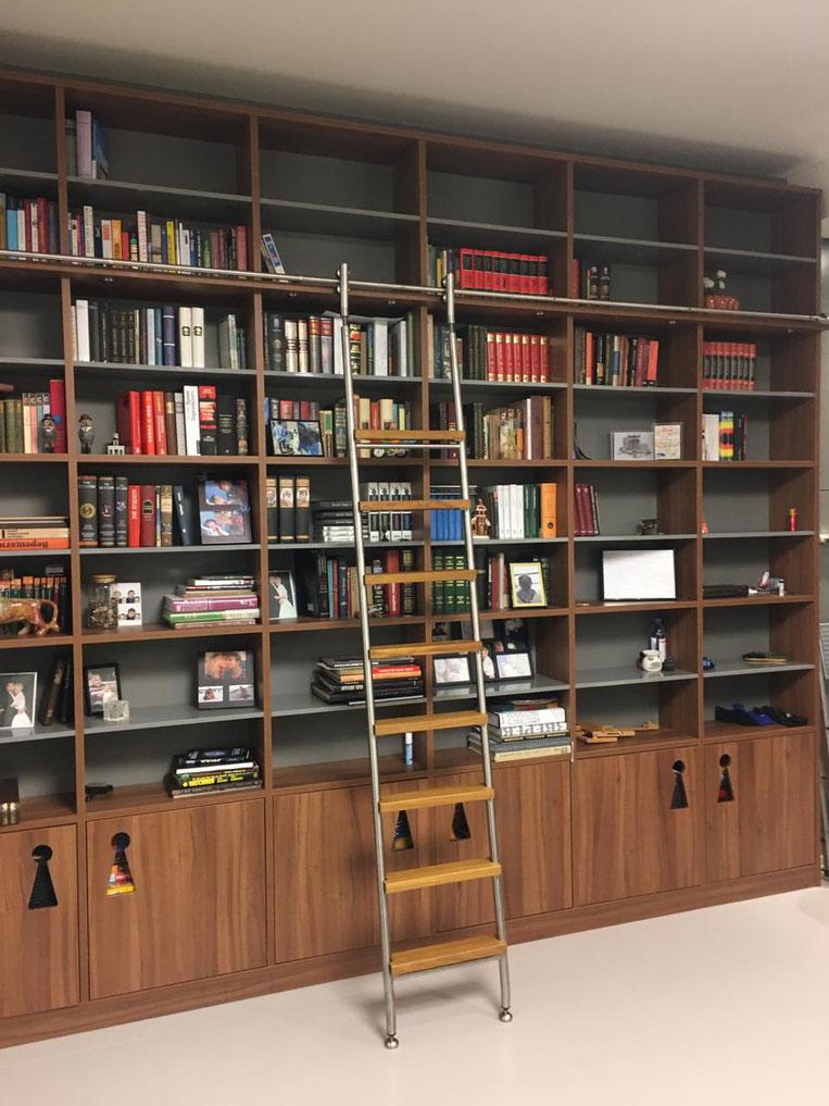 лестница, стремянка, мебельная, библиотечная, приставная, переносная, крючками, роликами, откатная, передвижная, стэп, step