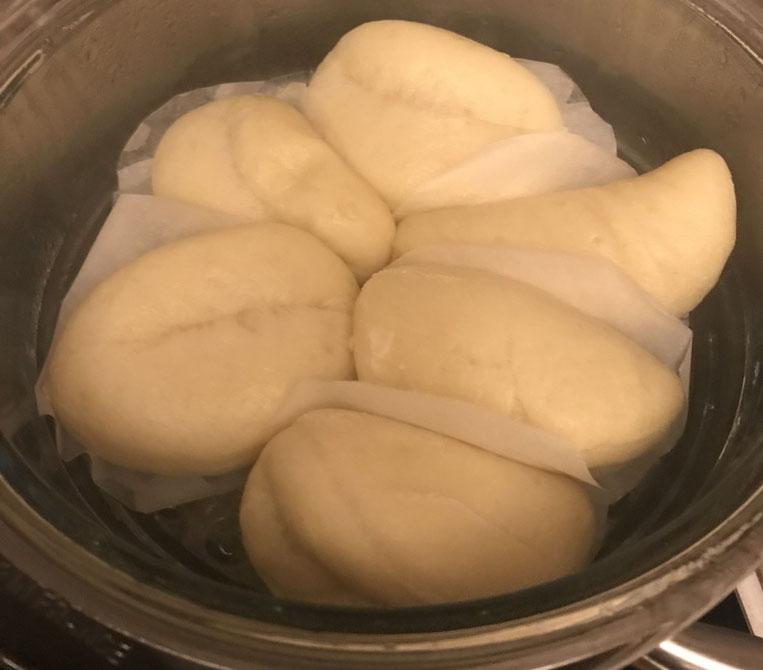 Petits pains bao cuits vapeur