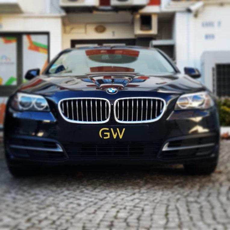 Grand Wings Luxury Chauffeurs an der Algarve,Portugl perfekt für Aussflüge mit der Familie oder Gruppen um Portugal oder Algarve zu erkundigen..