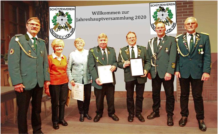 Von links: Vize Präsident Peter Tapken, Elfriede Endebrock, Ursel Bergmann, Heinz Marek, Rudi Pichocki, Vereinskommandeur Jörg Müller, Präsident Helmut Witt