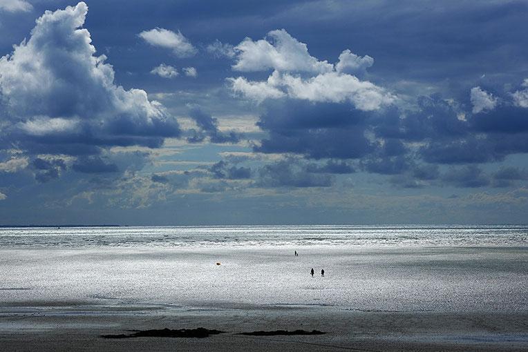 Mathieu Guillochon, photographe, couleurs, rivages, Manche, marée basse, Saint Pair-sur-mer, baie du Mont Saint Michel, ciel, estran, rivages, personnages, beau temps normand, impressioniste