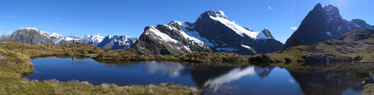 MacKinnon's Pass, Milford Track, New Zealand. Copyright by Graham Howard (c) 2014