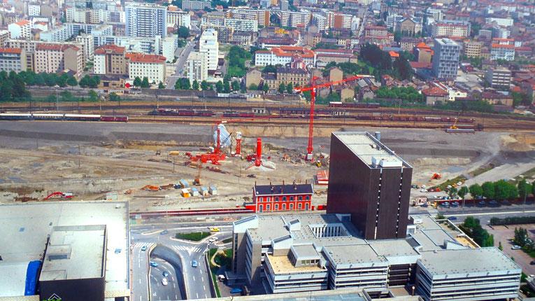 Un clic pour agrandir. Photos prises sur un panneau d'information de l'actuel chantier de la Part-Dieu (Josyane Locatelli)