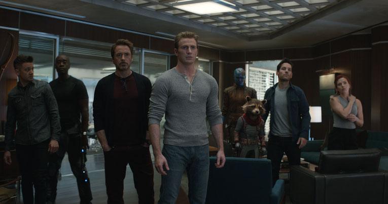 Die Avengers versammeln sich, um Jagd auf Thanos zu machen.