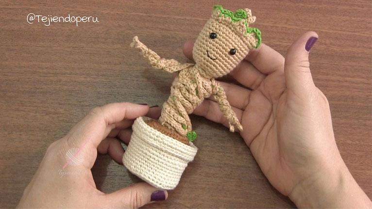 Baby Groot (Guardianes de la Galaxia) tejido a crochet o amigurumi