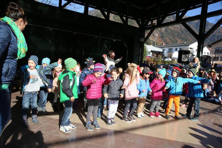 auch die Kinder des Kindergartens Steinfeld waren mit Begeisterung dabei