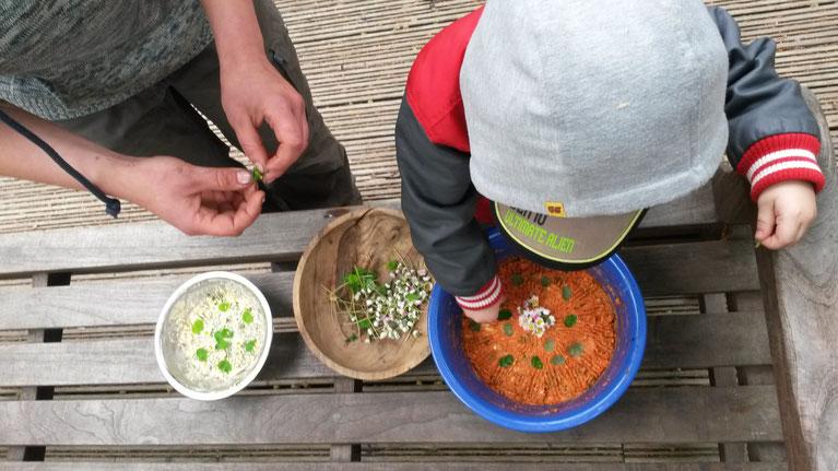 Köstlichkeiten aus der Natur kennenlernen, sammeln und zubereiten
