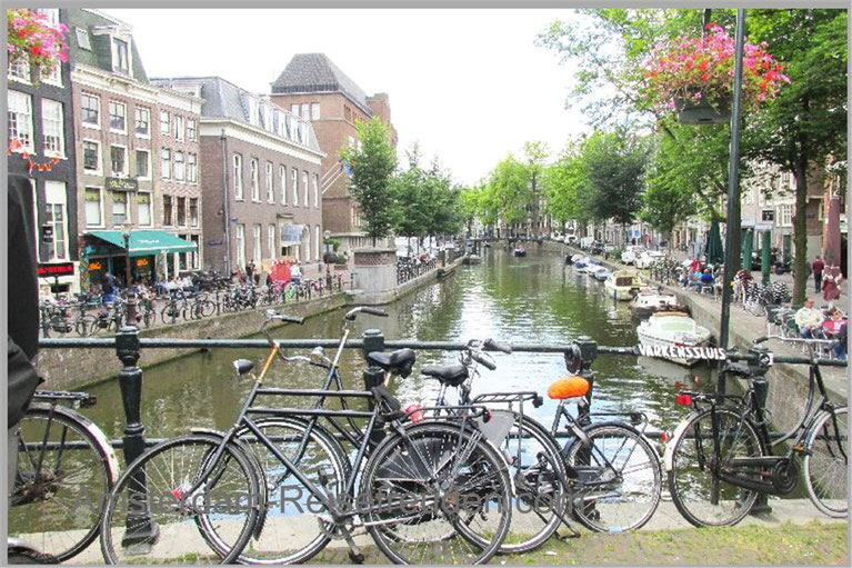 "The canals ""grachten"" and bicycles: come back!"