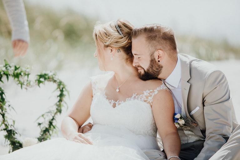 Heiraten am Strand an der Nordsee in Sankt Peter Ording. Strandhochzeit mit Hochzeitsfotograf Alexander Zachen