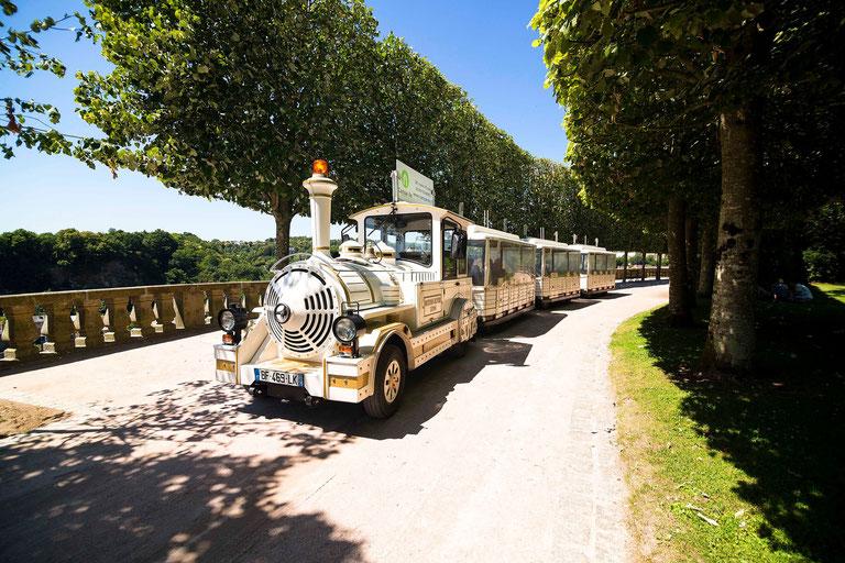 Le petit train au jardin public de Fougères ©easyride