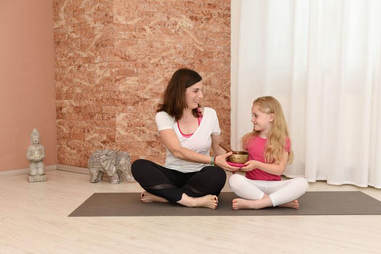 Mama & Kind Yoga