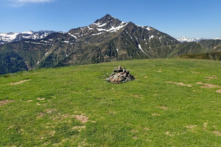 Voilà le vrai sommet La Peyre. Il ne peut pas y en avoir deux...