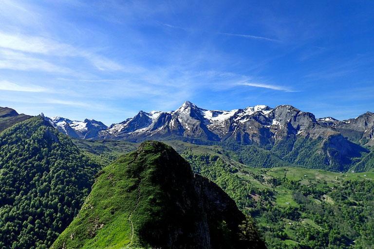 Le Pic de Listo avec en arrière plan le Pic de Ger (2613m).